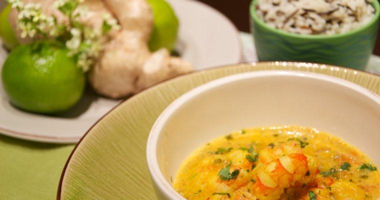 Gambas al curry con leche de coco y mango (Panang Goong)
