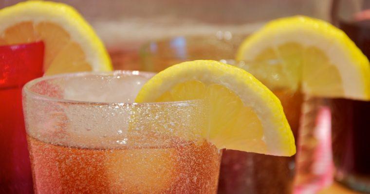 Té helado con limón (lemon iced tea)