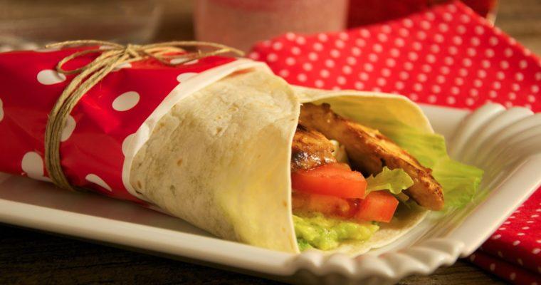 Wrap con pollo y guacamole
