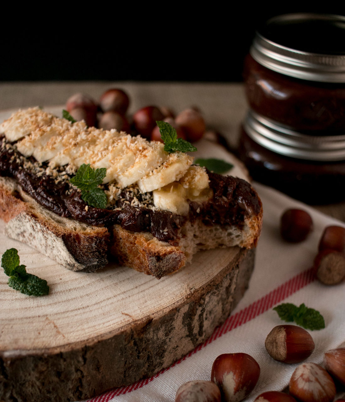 Crema de avellana, macadamia y chocolate casera | Homemade chocolate, hazelnut and macadamia spread