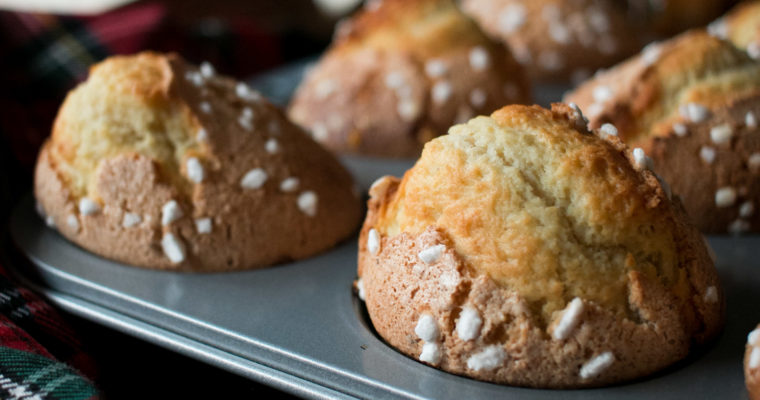 Magdalenas de pueblo con glaseado de avellana | Hazelnut-glazed traditional Spanish muffins