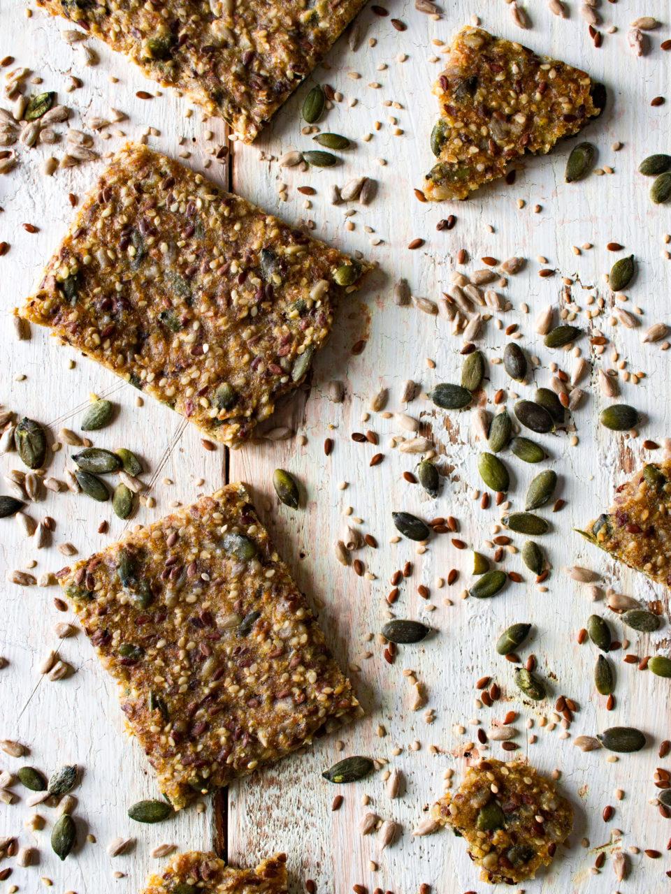 #instarecipe • Crackers de espelta, trigo integral y semillas   Spelt, whole-wheat, and seeds crackers •