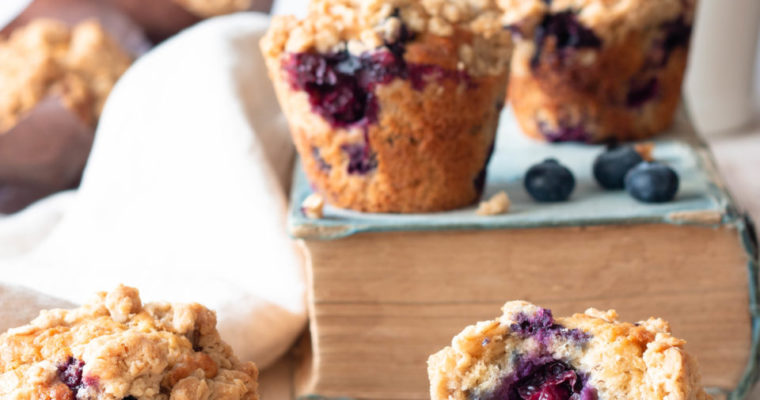 #instarecipe · Muffins de plátano y arándanos | Banana and blueberry muffins ·